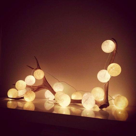 Decoración navideña entrada bolas de luz