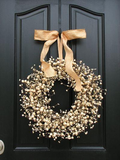 Decoración navideña entrada corona dorada