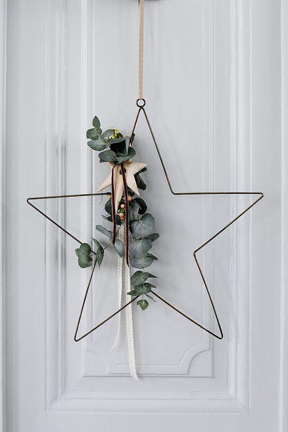 Decoración navideña entrada corona metálica