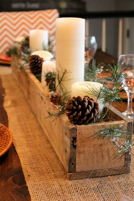 Decoración navideña vela en maceta madera