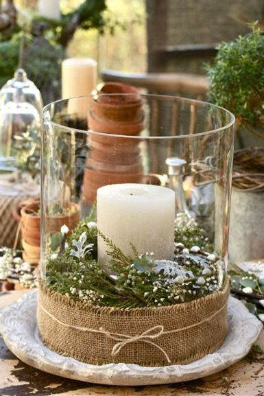 Decoración navideña vela dentro jarrón