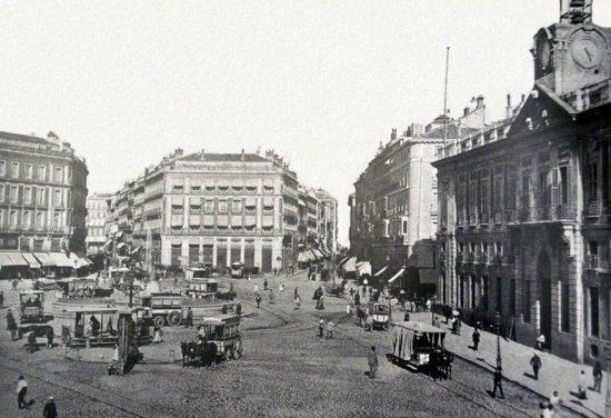 La Puerta del Sol: tráfico y construcción