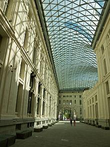 Interior cubierta del edificio de Correos